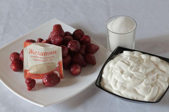 4 ингредиента для приготовления сметанного... Сметанный торт-желе с клубникой: пошаговый фото-рецепт