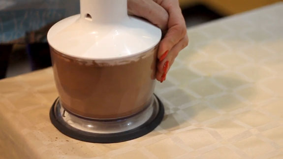 Перебиваем содержимое чаши блендера до однородной массы. Горячий шоколад: пошаговый фото-рецепт