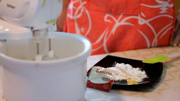 Добавляем ванильный сахар, соль, цедру и муку. Маффины с маскарпоне: пошаговый фото-рецепт