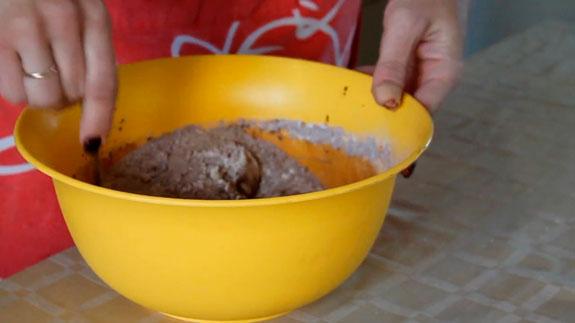 В отдельной посуде смешиваем муку, рыхлитель... Торт Спартак: пошаговый фото-рецепт