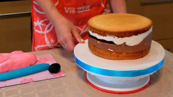 Спустя два часа, достаем торт из формы и... Торт Птичье молоко: пошаговый фото-рецепт