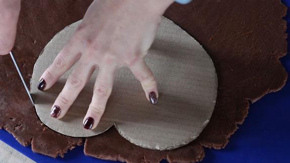 Вырезаем детали шкатулки с помощью... Имбирный пряник Шкатулка: пошаговый фото-рецепт