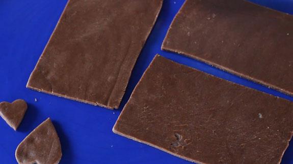 Также вырезаем из теста 3 одинаковые стороны... Имбирный пряник Шкатулка: пошаговый фото-рецепт