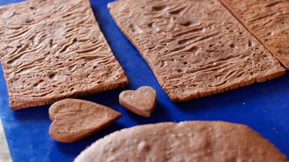 Готовые детали шкатулки из пряников выпекаем... Имбирный пряник Шкатулка: пошаговый фото-рецепт