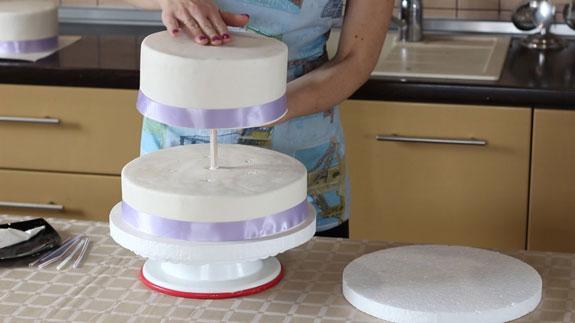 Как правильно собрать трёхъярусный торт
