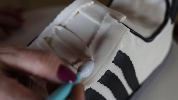 Торт Кроссовок: пошаговый фото-рецепт. Прикладываем шнурки