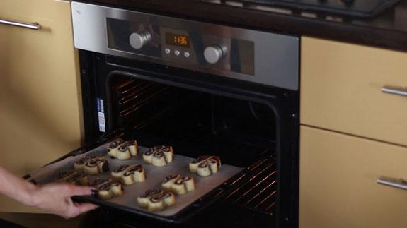 Выпекаем печенье в духовке разогретой до 180 градусов в течение 20-25 минут. Печенье Бабочки: пошаговый фото-рецепт