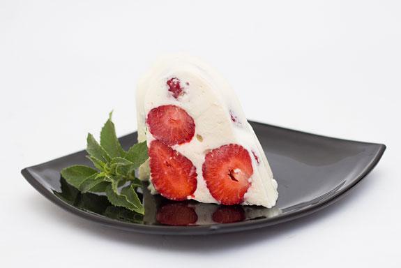 Сметанный торт-желе с клубникой: пошаговый фото-рецепт