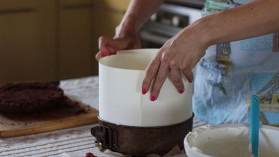 Увеличиваем бортик разъемной... Голый торт: пошаговый фото-рецепт