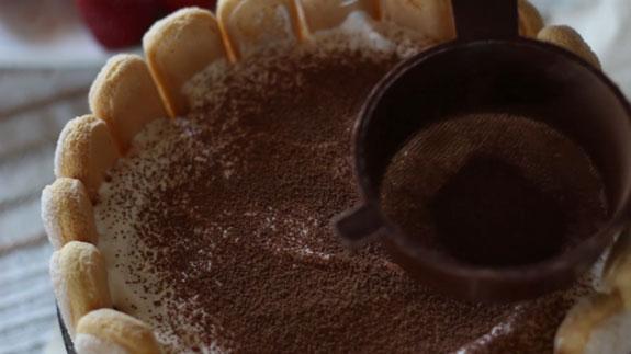 Посыпаем тирамису какао или тертым черным... Торт Тирамису: пошаговый фото-рецепт