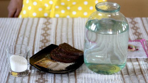 Ингредиенты для хлебного кваса. Хлебный квас: пошаговый фото-рецепт