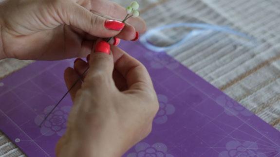 Как сделать ландыш из мастики: пошаговый фото-рецепт. Собираем веточку ландыша