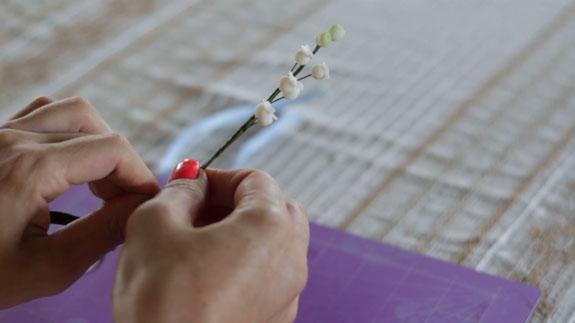 Как сделать ландыш из мастики: пошаговый фото-рецепт. Делаем такие же еще 2-3 шага