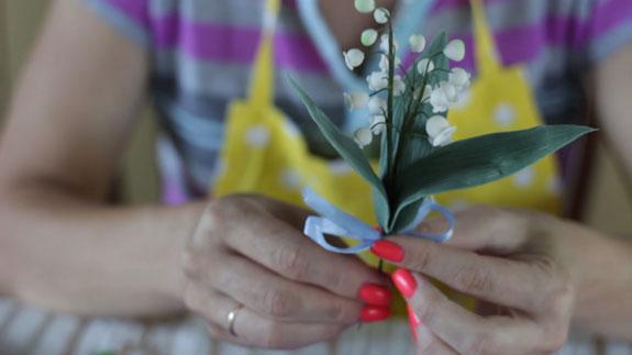 Как сделать ландыш из мастики: пошаговый фото-рецепт. Закрепляем их тейп-лентой