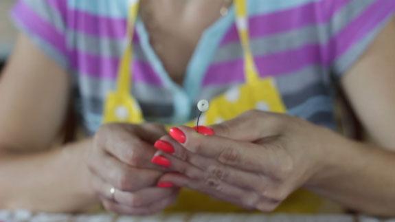 Как сделать ландыш из мастики: пошаговый фото-рецепт. Протыкаем проволокой, заготовленные шарики