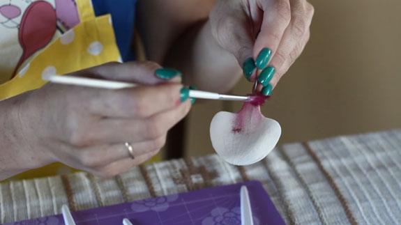 Как сделать орхидею из мастики: пошаговый фото-рецепт. Сухие лепестки окрашиваем сухим пищевым красителем