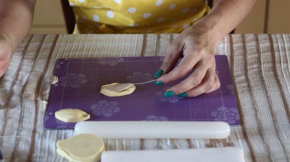 Как сделать орхидею из мастики: пошаговый фото-рецепт. Делаем верхний чашелистик