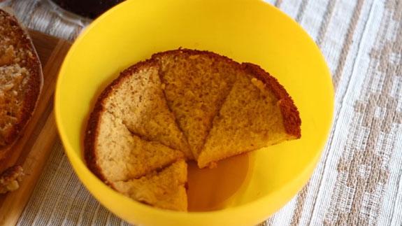 Все полученные сегменты выкладываем в миску... Торт Панчо: пошаговый фото-рецепт