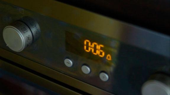 В духовке, заранее разогретой до 150... Малиновые макаруны с черным шоколадом: пошаговый фото-рецепт