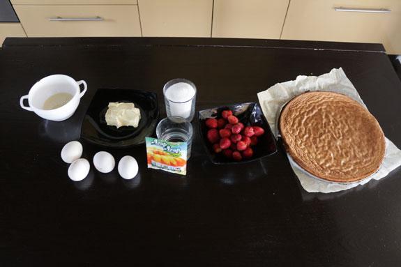 Необходимые ингредиенты для приготовления... Пирожное Крем-брюле с клубникой: пошаговый фото-рецепт