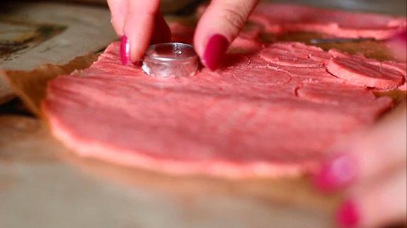 Затем достаем замороженное песочное тесто и... Пирожное Шу: пошаговый фото-рецепт
