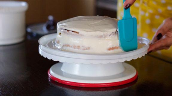 Спустя несколько часов достаем торт из формы... Торт Монастырская изба: пошаговый фото-рецепт