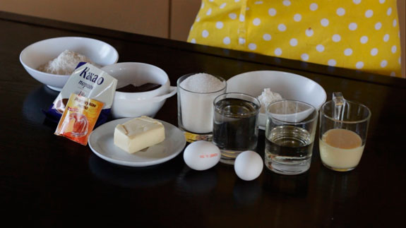 Ингредиенты. Заварные шоколадные маффины со сгущенкой: пошаговый фото-рецепт