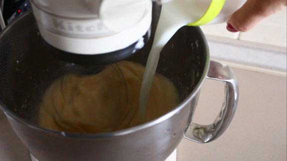 последним вводим... Тарт с заварным кремом и клубникой: пошаговый фото-рецепт