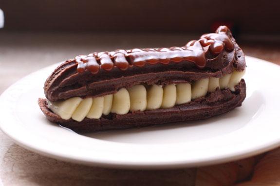 Шоколадный эклер: пошаговый фото-рецепт