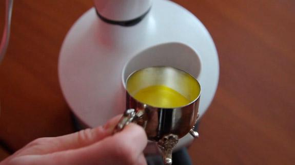 Во время взбивания добавляем кунжутное масло 30-40 гр. Арахисовая паста: пошаговый фото-рецепт
