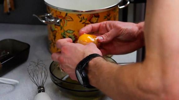 Отделяем белки от желтков. Кулич Пасхальный: пошаговый фото-рецепт