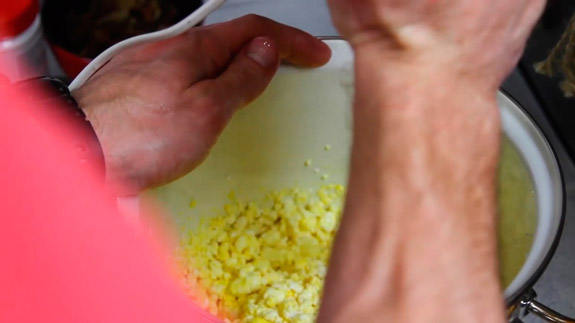 Перебиваем блендером желтки с творогом. Кулич Пасхальный: пошаговый фото-рецепт