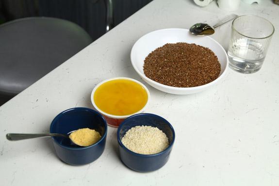 Ингредиенты. Халва из льна и кунжута: пошаговый фото-рецепт