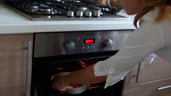 Отправляем тарт в разогретую до 180 градусов духовку. Черешневый тарт: пошаговый фото-рецепт