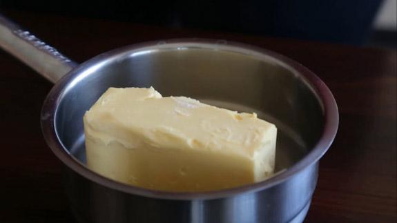Сливочное масло или маргарин растапливаем на медленном огне. Овсяное печенье: пошаговый фото-рецепт
