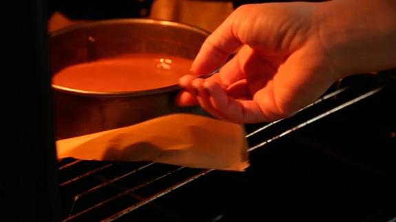 Выпекаем в духовке, заранее разогретой до 180... Торт Черный Лес: пошаговый фото-рецепт